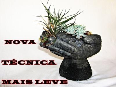 DIY Vaso com mãos de cimento e isopor maceta en forma de mano de cemento