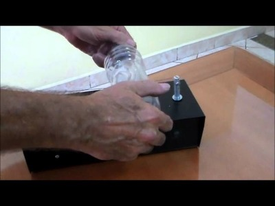 Maquina para cortar fitas, nylon, cetim e fazer fuxico