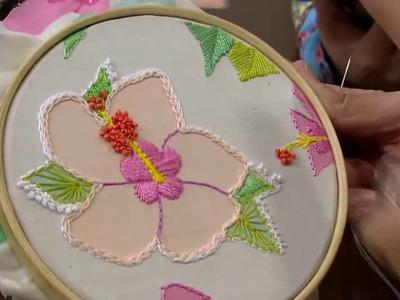 Bordado sobre tecido floral - Programa Mulher.com