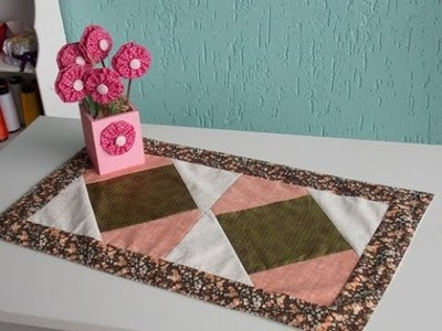 Toalhinha em Patchwork- Usando Quadrados, triângulos e Faixas
