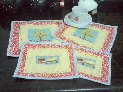 Patchwork-  Aprenda a fazer um joguinho de tapetinhos para chá (Mug Rug)  parte 2