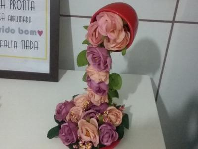 Cascata de flores em xicara