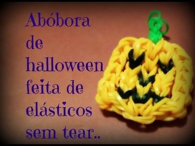 Abóbora de halloween de elásticos feita com garfos.