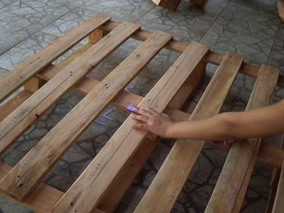 DIY: FAÇA TEU SOFÁ EM PALLETS