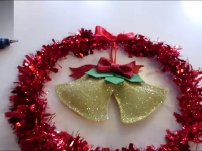 Aprenda a fazer uma linda guirlanda de natal em EVA e enfeite a porta da sua casa.