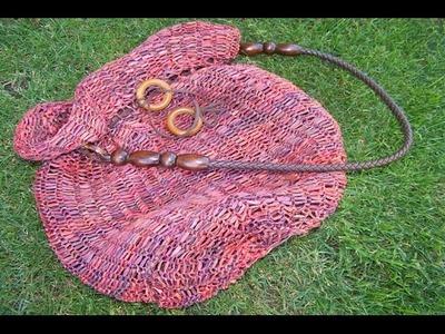 Bolso de  rafia en telar circular