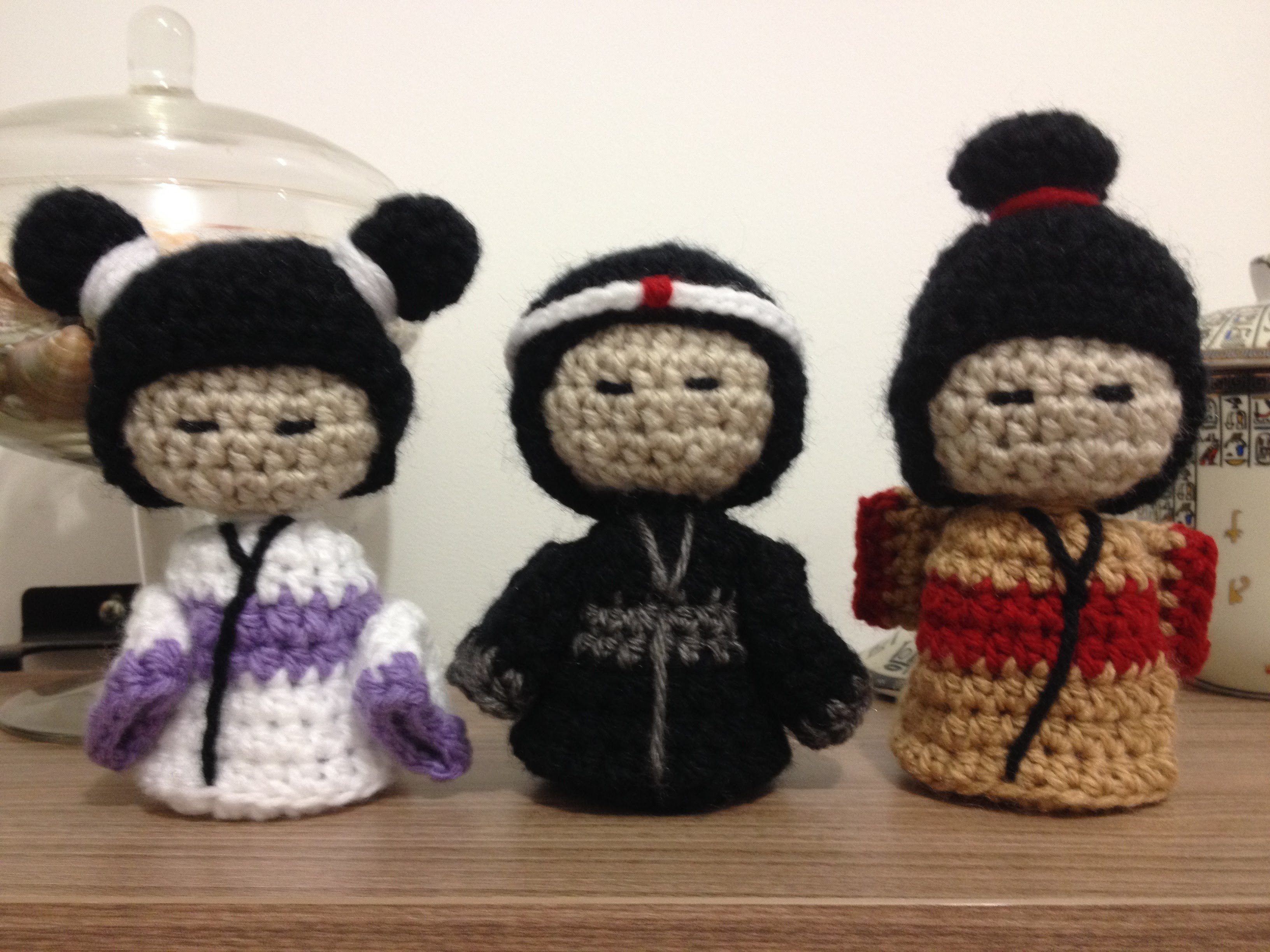 Kokeshi. Gueixa. Samurai em crochê - Professora Maria Rita