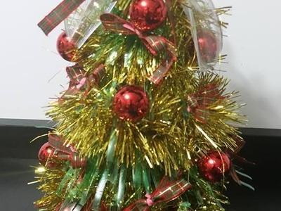 Arvore de Natal feita com garrafa pet By Vivian Balaban