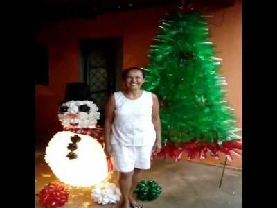 Boneco de neve e Arvore de Natal feitos c. garrafa pet por Cida