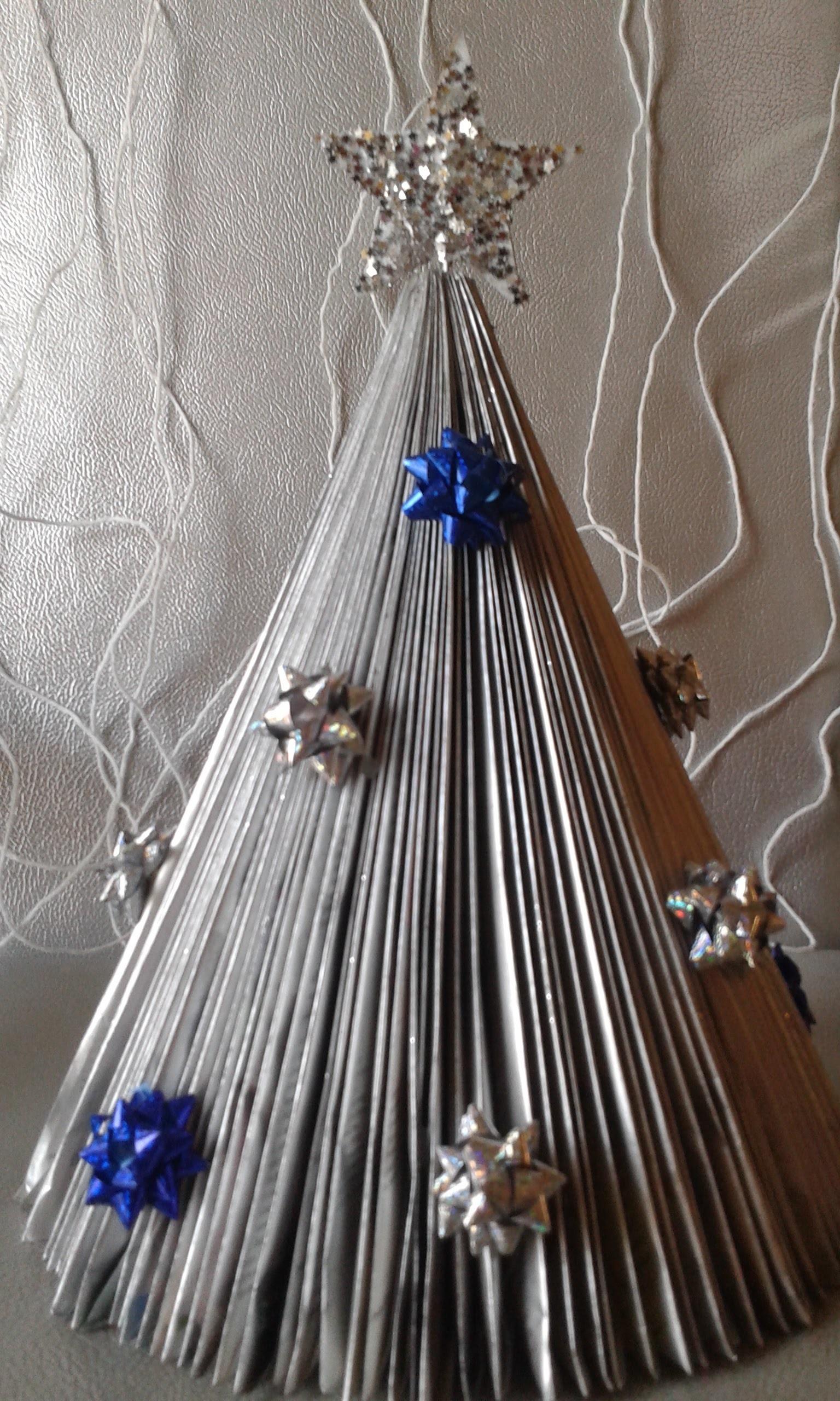 Arvore de Natal de revista.Natal reciclavel. decoração de natal facil e rapido