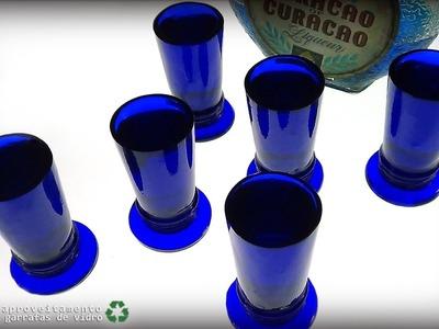 Copos de licor feito de Skol Beats