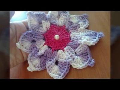 Flor em crochê lilás