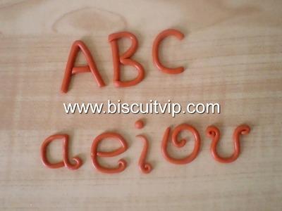 Letras de Biscuit sem uso de Moldes - Canal Aula de Biscuit