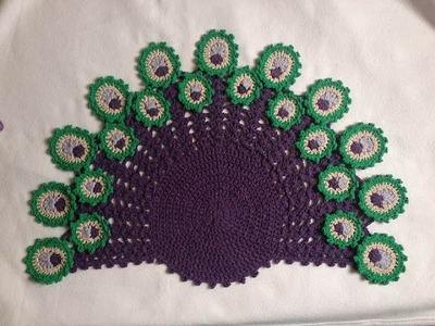 Toalha Pavão Peacock ( meia lua. leque) crochê - Professora Maria Rita