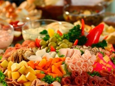Curso Serviço de Mesa e Arranjos Florais - Frutas e Frios - Cursos CPT