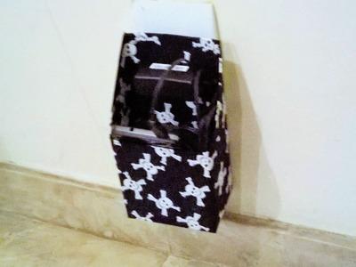 Suporte de tomada para carregador de celular feito com caixa de leite