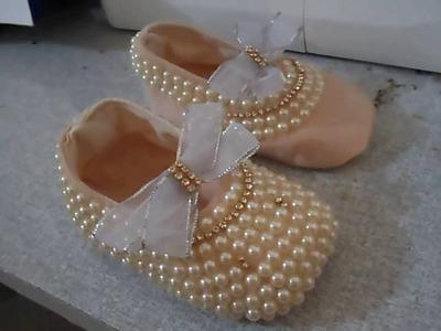 Como fazer sapatinho de bebe em tecido customizada, sapatilha  do inicio ao fim