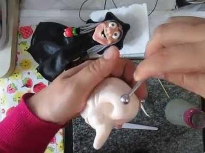 Modelando a cabeça da Bruxa em biscuit (porcelana fria)