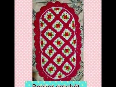 Tapete floral em crochê