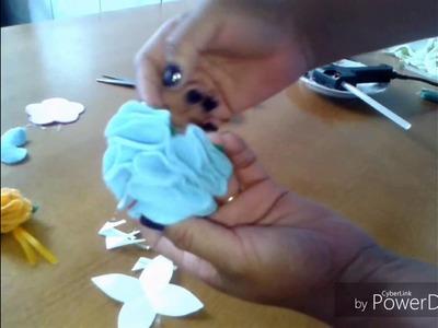 Lembrancinha chaveiro flor  de  feltro