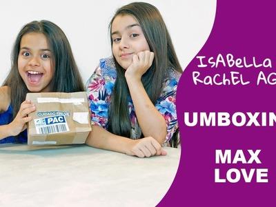 As Gêmeas recebem uma caixa surpresa MAX LOVE DIY e abrem ficando felizes com o resultado surpresa