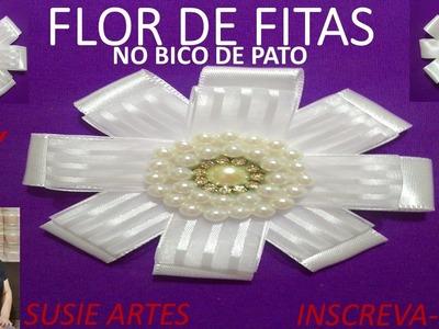 SUSIE ARTES FLOR DE FITAS NO BICO DE PATO