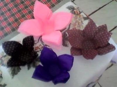 Como fazer forminha para doces (formato de rosa)com papel crepom