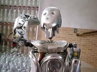 Robos autenticos de latas de aluminio. Robots auténticos latas de refresco.
