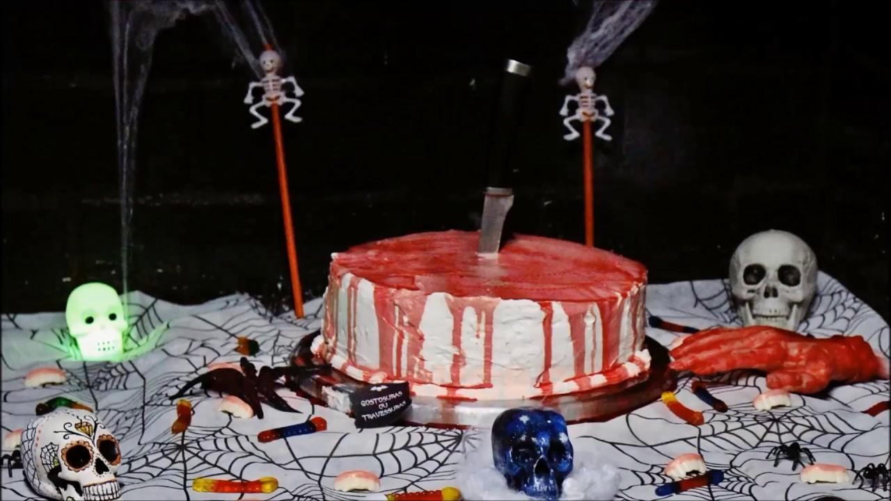 Decoração de Halloween + bolo sangrento