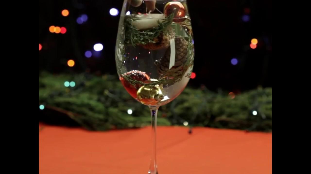 Decoração de Natal com taças de cristal. #DIY #VixDIY