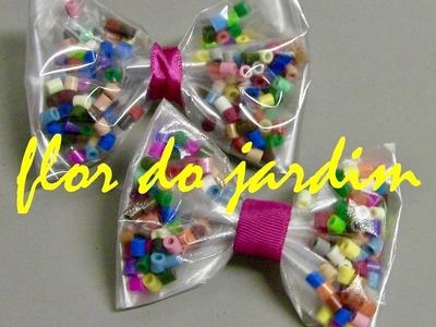 Laço  feito com Plástico e  Perler  Bead - Tie