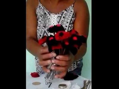 DIY - Flores feitas com tecidos e galhos secos.
