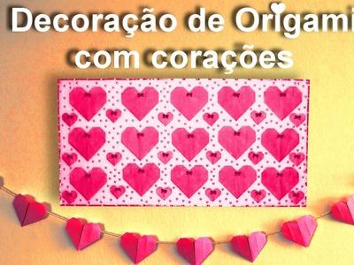 Decoração de Origami com corações.